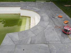 Schwimmbad-Terrasse