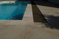 Schwimmbad-drainge