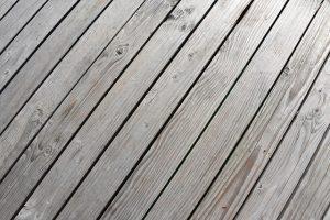 Fliesen auf Holzdielen verlegen
